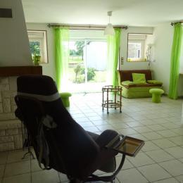 vue sur le salon - Location de vacances - Arc-en-Barrois