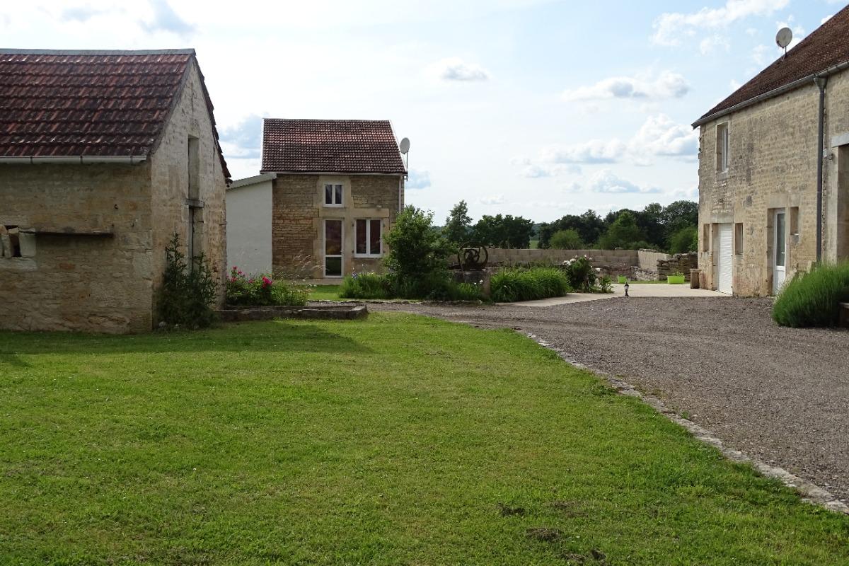 vue du corps de ferme - Location de vacances - Arc-en-Barrois