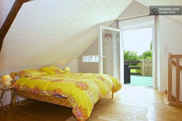 Chambre ouverte sur la terrasse - Location de vacances - Cuillé