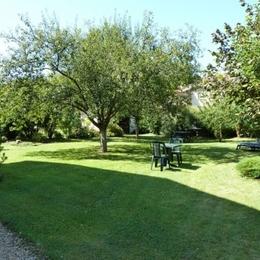 Jardin clos - Chambre d'hôtes l'An XII - Suite Floréal - Chambre d'hôtes - Charency-Vezin