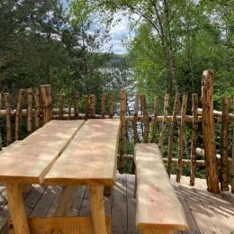 Terrasse Jules Verne, vue lac - Les Cabanes du Lac de Pierre Percée - Chambre d'hôtes - Badonviller