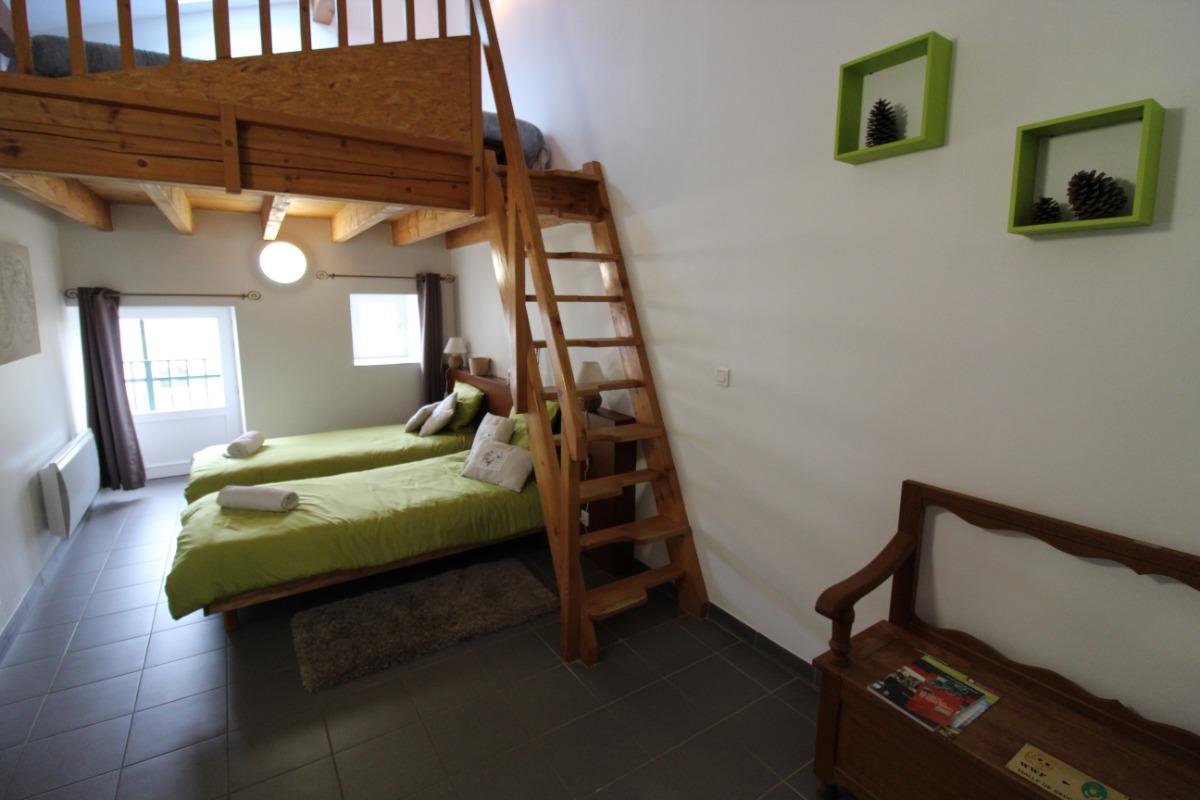 chambre 333 avec mezzanine - Chambre d'hôtes - Lachaussée