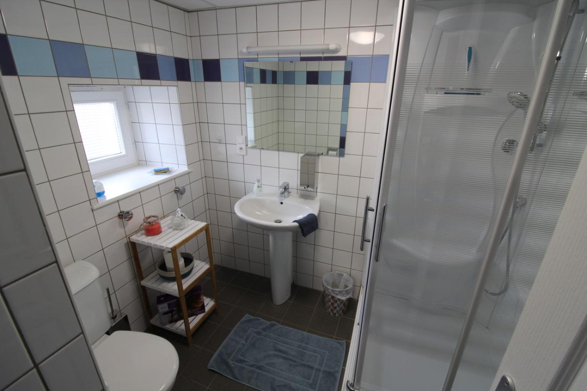 salle d'eau attenante - Chambre d'hôtes - Lachaussée