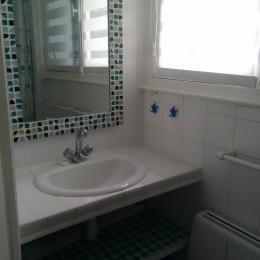 salle d'eau avec douche - Location de vacances - Quiberon