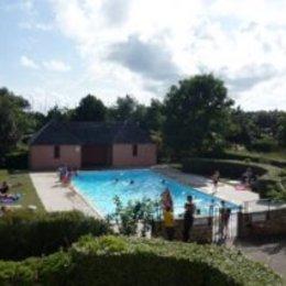 Vue de la piscine du balcon - Location de vacances - Arzon