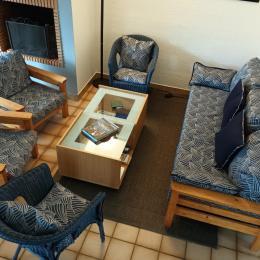 Salon avec cheminée - Location de vacances - Saint-Gildas-de-Rhuys
