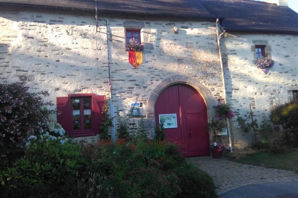 entrée Gites Logis de Ste Croix Josselin  - Location de vacances - Josselin