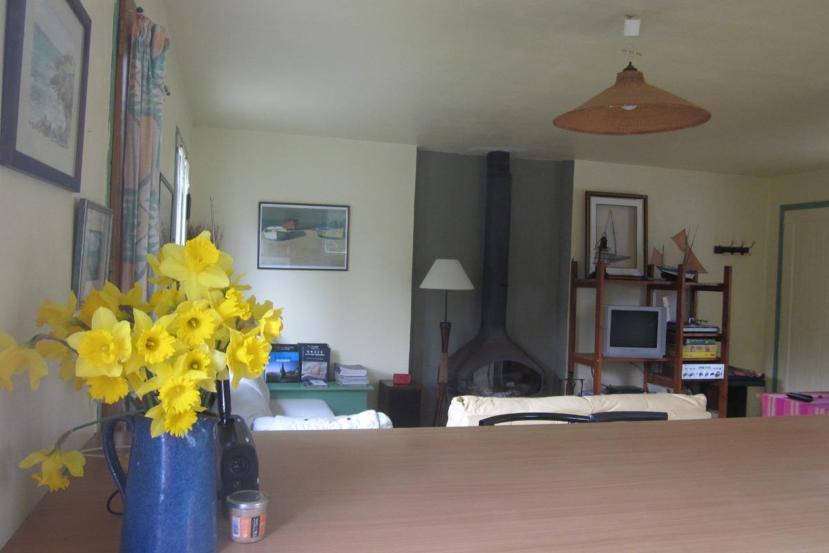 cuisine americaine - vue sur salon - Location de vacances - Groix