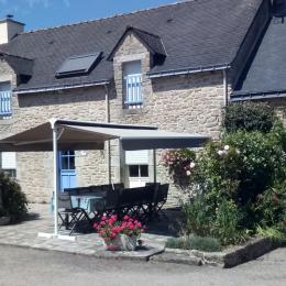 Salon avec cheminée - Location de vacances - Saint-Dolay