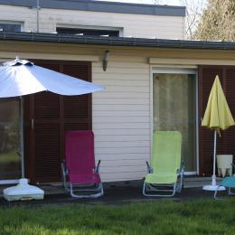 Espace détente dans le jardin - Location de vacances - Saint-Congard