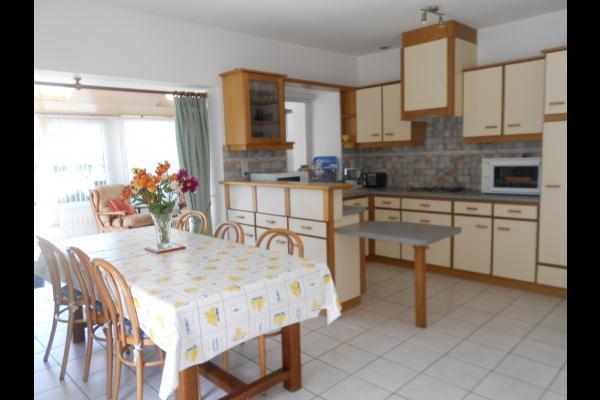 Le séjour avec la cuisine - Location de vacances - Erdeven