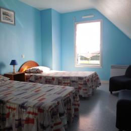 chambre 2 lits étage - Location de vacances - Erdeven