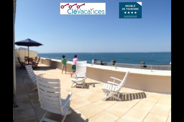 les 2/3 S/O de la terrasse de 80m2 - Location de vacances - Arzon