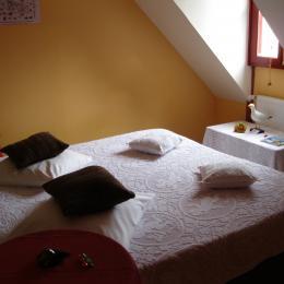 chambre lit à 180  - Chambre d'hôte - Groix