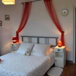 La chambre parents de la chambre familiale Tendresse - Chambre d'hôte - Ploërdut