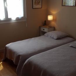 Chambre côté cour 2 lits 90  - Location de vacances - Vannes