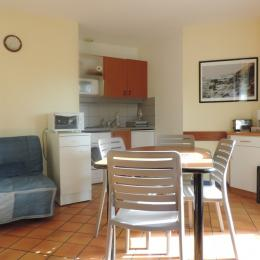 coin cuisine - Location de vacances - Ploemel