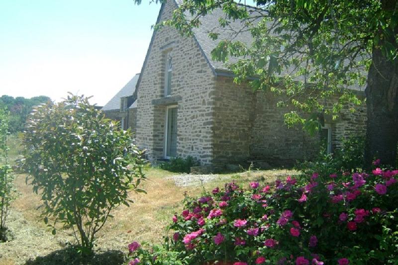 gîte Le Foso, vue extérieure et jardin  - Location de vacances - Saint-Guyomard