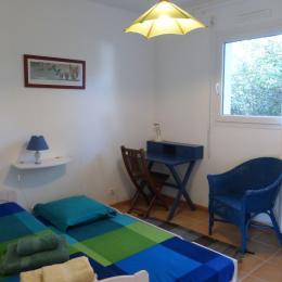 Chambre parents - Location de vacances - Locmariaquer