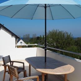 A l'ombre du parasol sur la terrasse - Location de vacances - Quiberon
