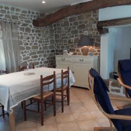 salle à manger spacieuse et lumineuse - Location de vacances - Plouhinec