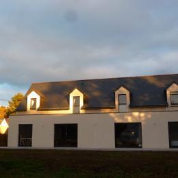 Maison très lumineuse, orientée est / ouest, vue coté jardin et terrasse - Location de vacances - La Trinité-sur-Mer