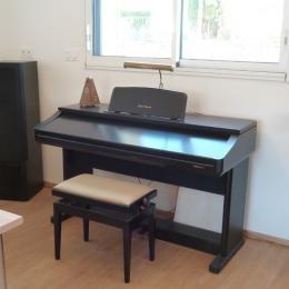 Coin bureau, chaine HIFI, piano électrique - Location de vacances - La Trinité-sur-Mer