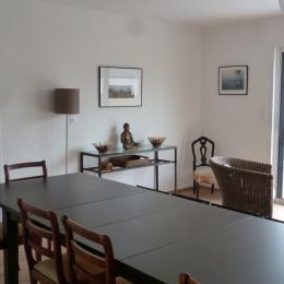 Grande salle à manger, table pour 14 personnes - Location de vacances - La Trinité-sur-Mer