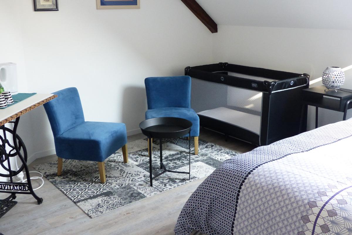 petit salon contemporain aux couleurs de Bretagne - Chambre d'hôtes - Trédion