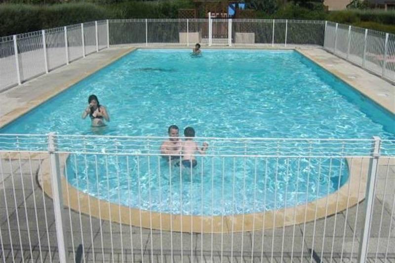 piscine sécurisé avec solarium 15m x 6m - Location de vacances - Guidel