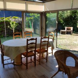 Véranda côté salle à manger - Location de vacances - Pénestin