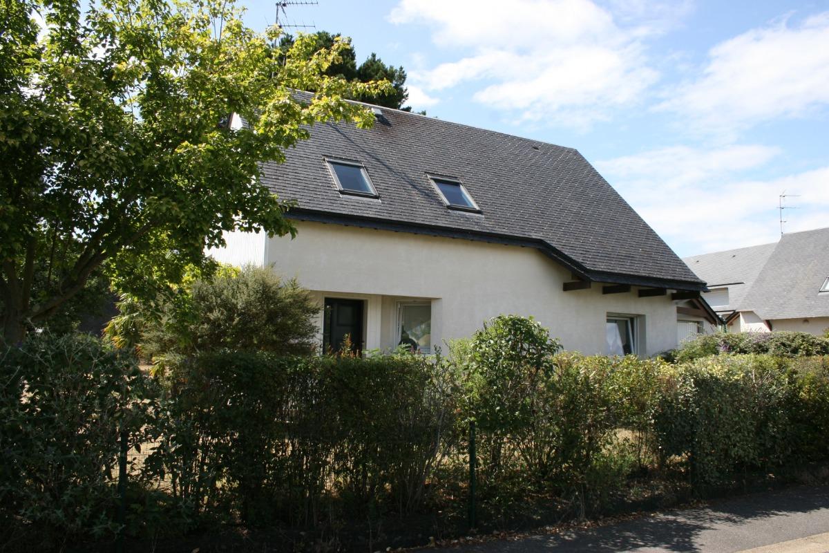 façade coté rue (entrée, cuisine, garage) - Location de vacances - Saint-Philibert