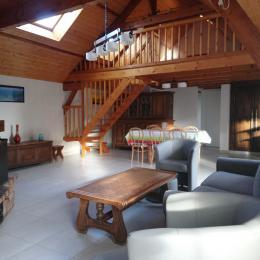 le salon avec la cheminée - Location de vacances - Erdeven