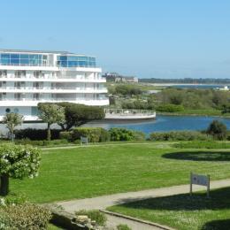 1 vue depuis la terrasse = la thalasso et la mer - Location de vacances - Arzon