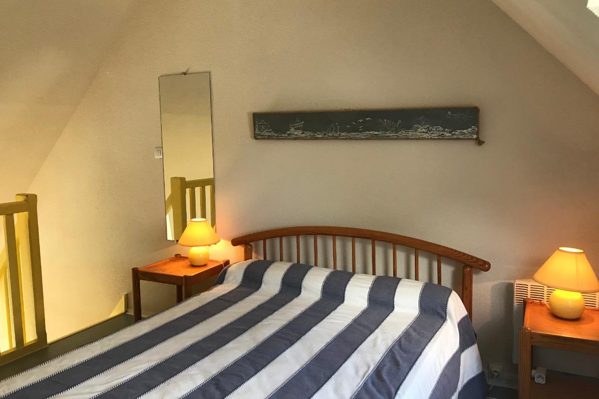 grande chambre, lit confort - Location de vacances - Sarzeau