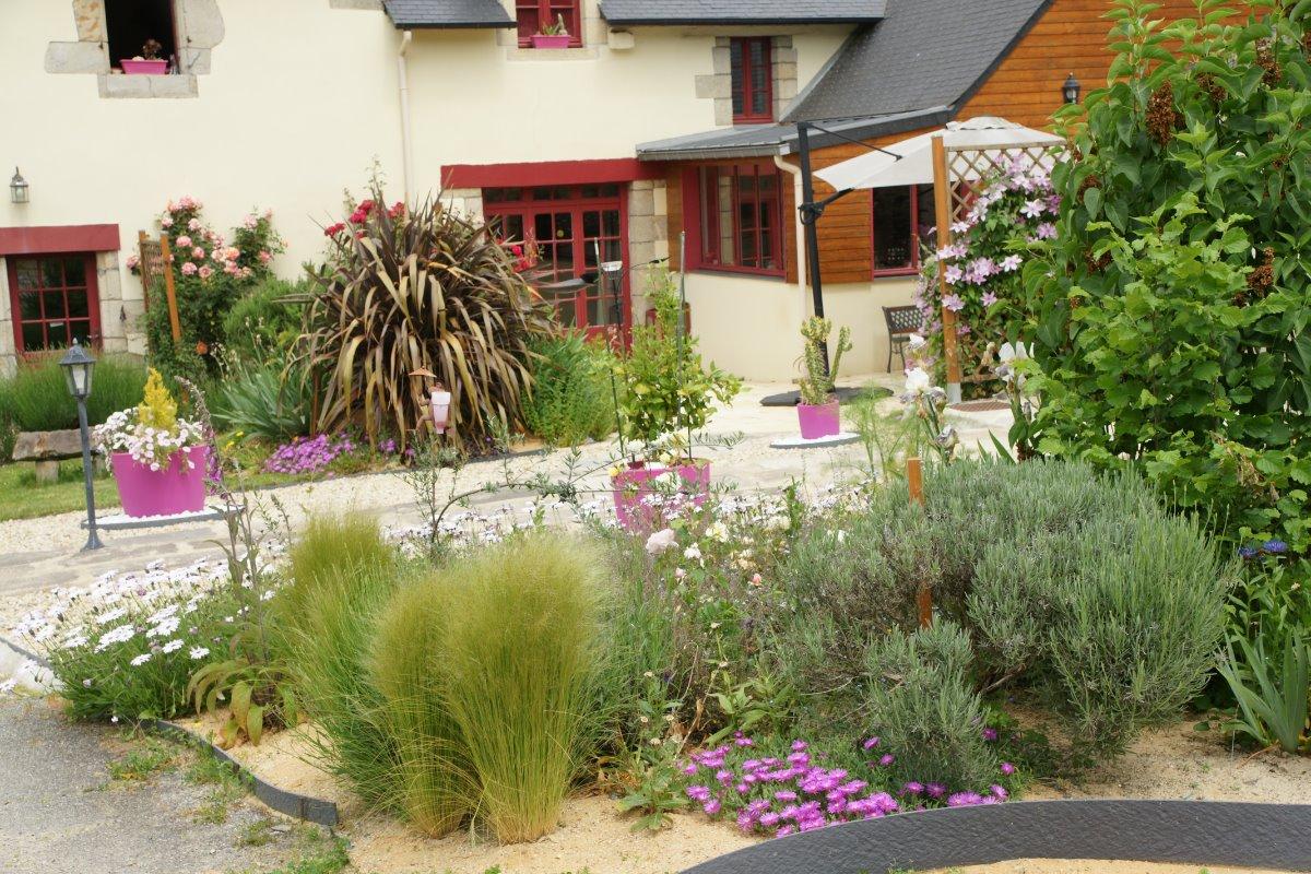 Les Logis de Ste Croix, gîtes à Josselin Morbihan Bretagne - Location de vacances - Josselin