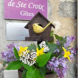 entrée piétons gîte Les Logis de Ste Croix à Josselin Morbihan Bretagne - Location de vacances - Josselin