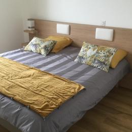 lit de 180 cm divisible en deux lits de 90cm - Location de vacances - Arzon
