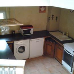 la cuisine, + réfrigérateur, congélateur - Location de vacances - Le Hézo