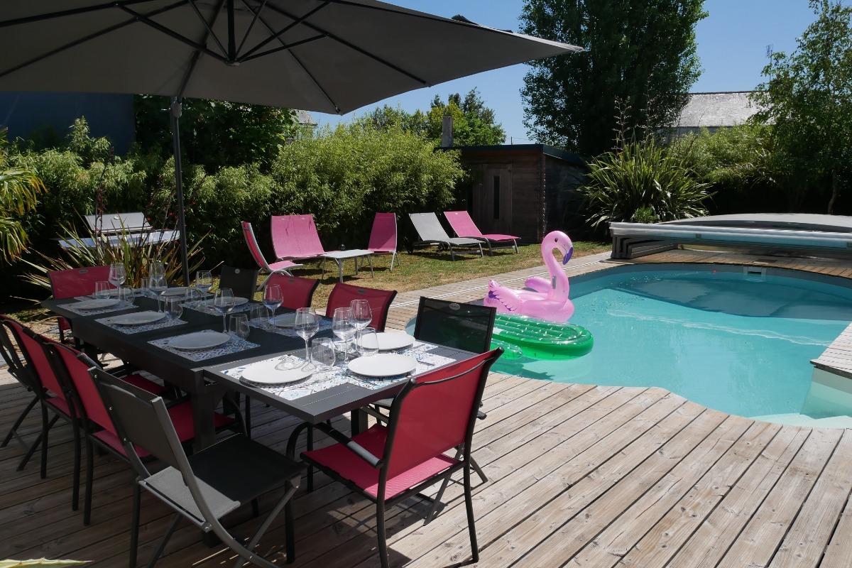 La piscine et le salon de jardin - Location de vacances - Erdeven