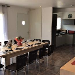 Séjour et cuisine - Location de vacances - Plouhinec
