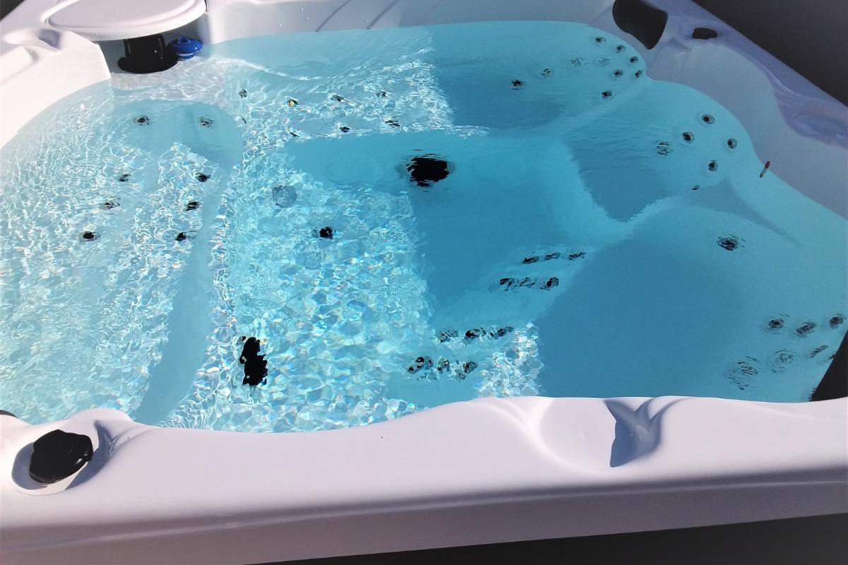 Façade , terrasse sur jardin - Location de vacances - Plouhinec