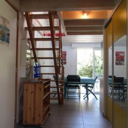 du coin salon à la cuisine  - Location de vacances - Séné