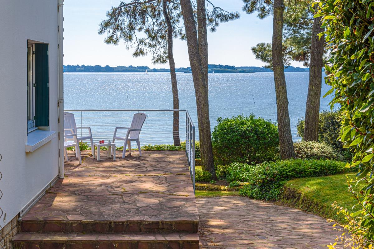 La façade côté portail d'entrée - Location de vacances - Larmor-Baden