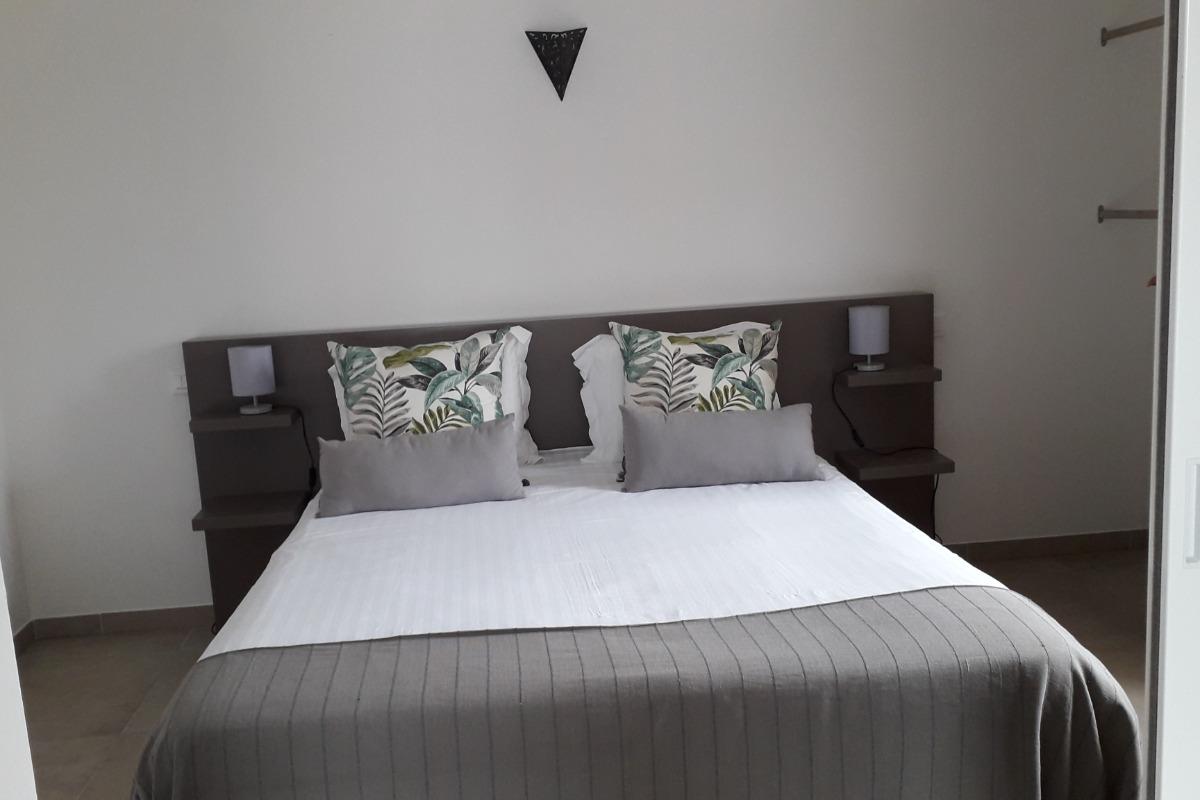 chambre - Location de vacances - Theix-Noyalo