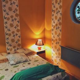 Grande chambre - lit double  - Location de vacances - Luttange