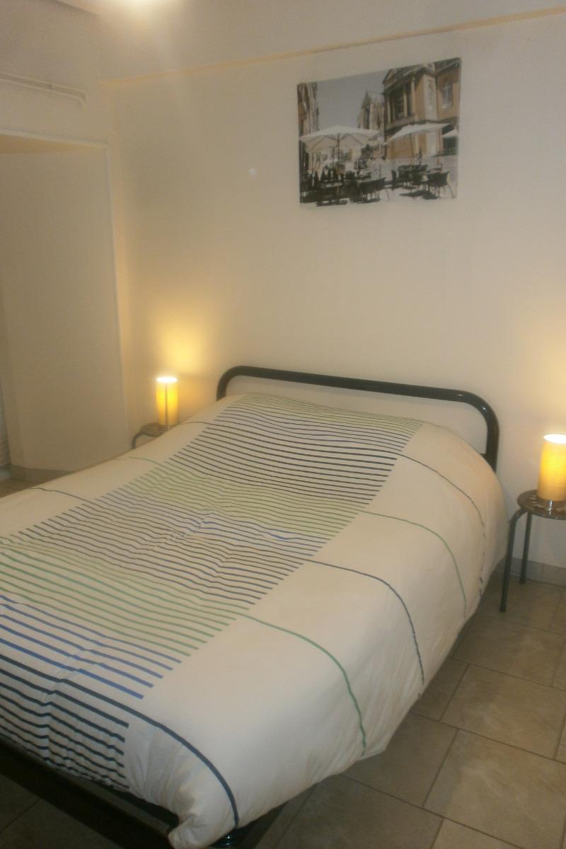 espace nuit avec un lit 2 personnes - Location de vacances - Sorbey
