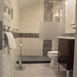 La salle de bains noisette - Chambre d'hôtes - Xouaxange