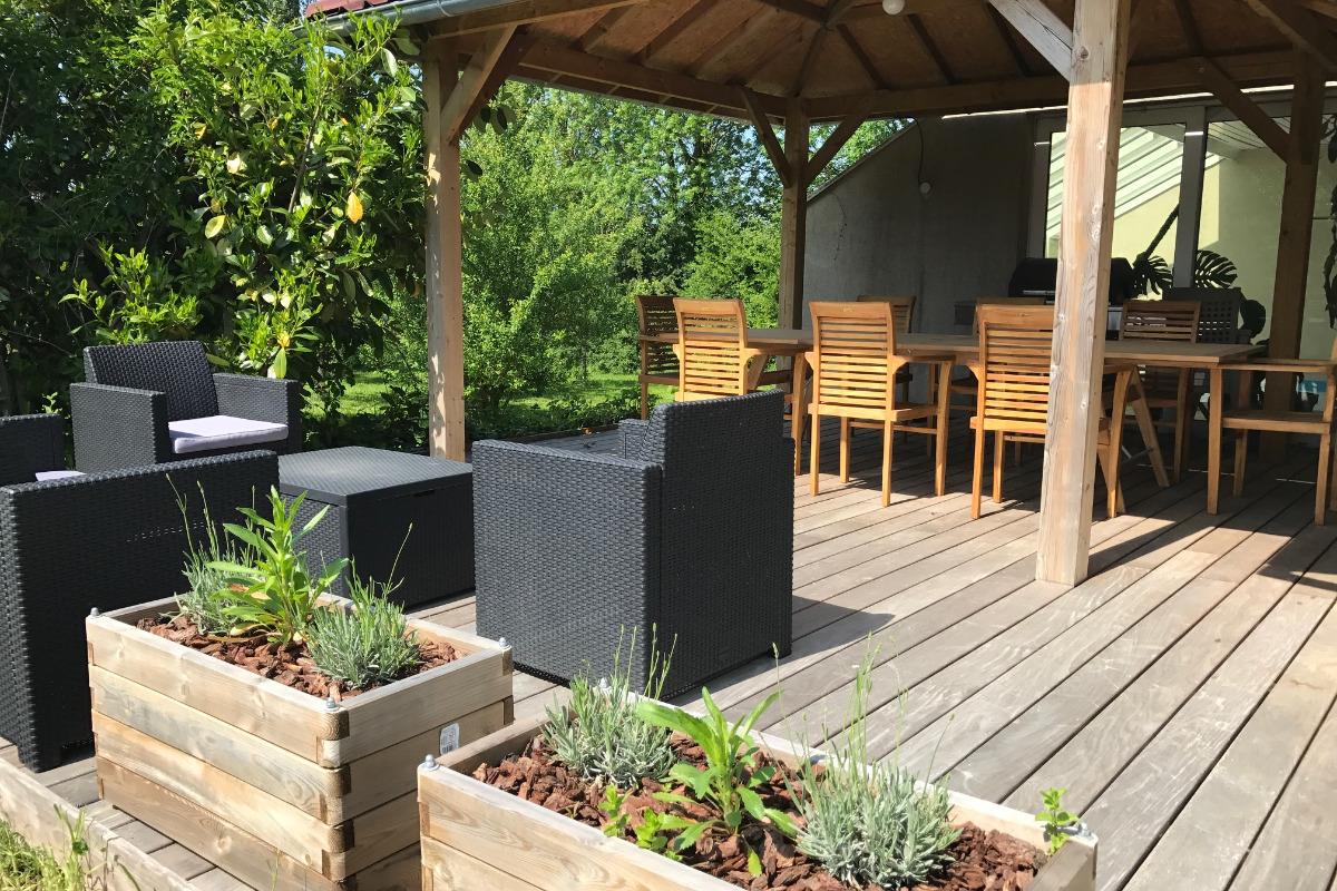 La terrasse extérieure - Chambre d'hôtes - Xouaxange