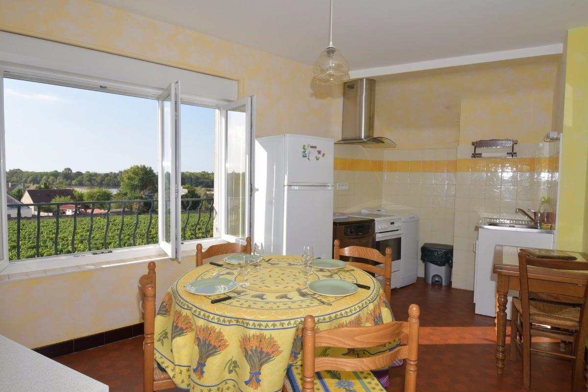cuisine avec vue sur les vignes et la Loire - Location de vacances - Pouilly-sur-Loire